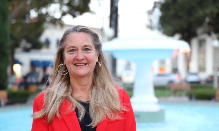 Define Nonbinary, Teacher Tells California School Boards Association
